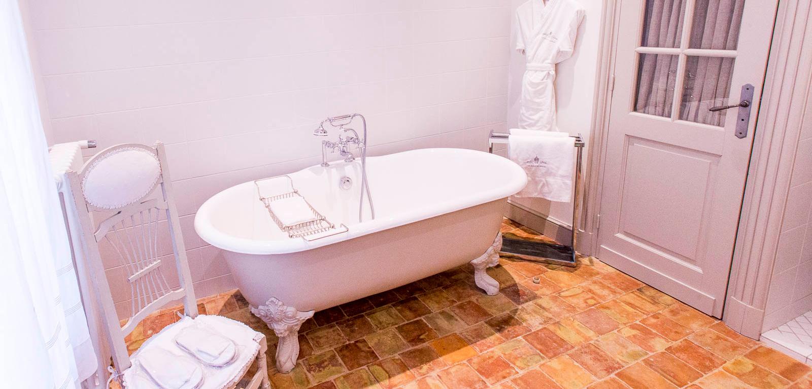 Salles De Bains Bruxelles ~ salle de bain de la junior suite le coquet le clos de gr ce